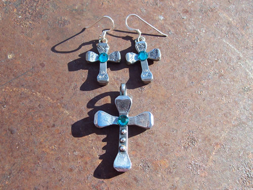 Turquoise Bling Earring and Pendant Set